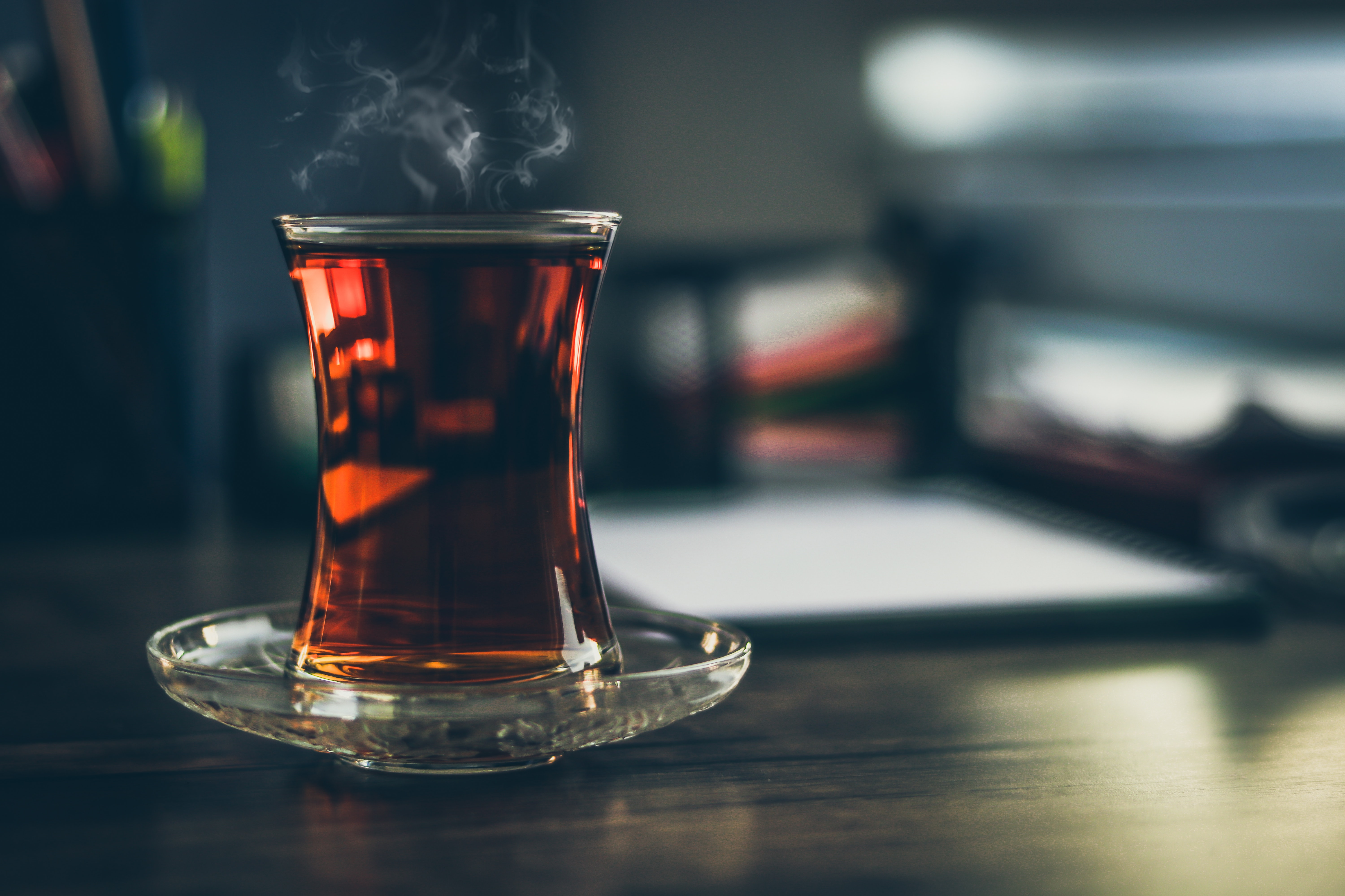 black tea as a natural remedy to get rid of gray hair